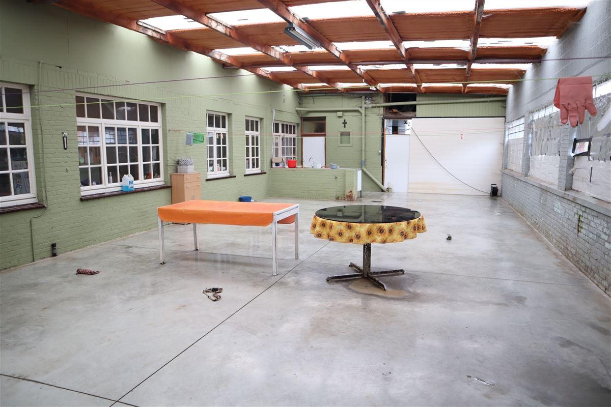 Foto 12 : Magazijn te 3800 SINT-TRUIDEN (België) - Prijs € 175.000