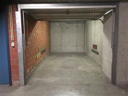 Res. Zonnekeer G2.50 - Garage situé au niveau -2 - Dimensions: 2,75 x 5,95 m - Entrée situé dans la Franslaan.  ...