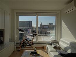 Res. De drie zeesteden - Penthouse met 2 slaapkamers en groot zonnig terras - Gelegen in de zonnekant van de winkelstraat - Onmiddelijke toegang van l...