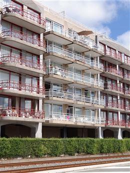Res. Panorama A  0205 - Zonnig instapklaar appartement met 1 slaapkamer - Gelegen op de 1ste verdieping aan de zonnekant in de Elisalaan - Living met ...