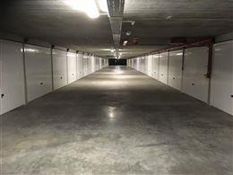 Garagecomplex Franslaan G 1170 - Gelegen op niveau -1 - Afgesloten garagebox in volle eigendom - Afmetingen 2,88 x 5,65 m ...