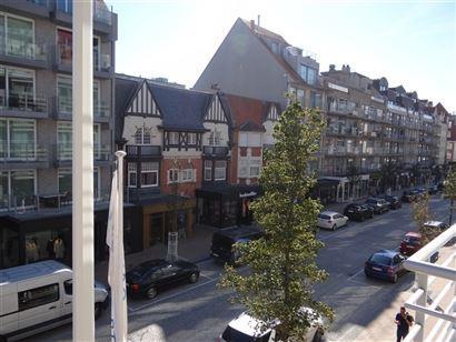 Res. Les Oeillets 0201 - Ruim en zonnig appartement in hartje Nieuwpoort-Bad - Inkom - Leefruimte - Keuken met terrasje - Drie slaapkamers - Apart toi...