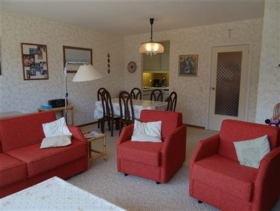 Res. Princess 77/0101 - Lichtrijk en ruim appartement met 2 slaapkamers -  Breed zonneterras - Inkom met vestiaire - Leefruimte - Open keuken - Apart ...