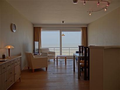 Res. SCORPIO B - 0903 - Leuk appartement met 1 slaapkamer - Gelegen op de 9de verdieping op de autovrije zeedijk te Nieuwpoort   - Inkom met vestiaire...