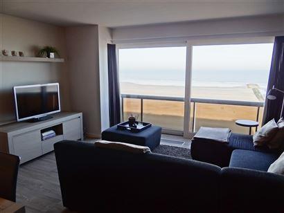 TE HUUR OP JAARBASIS - zeer mooi en modern appartement op de 6de verdieping met frontaal zeezicht - ingerichte open keuken met elektrisch fornuis, fri...