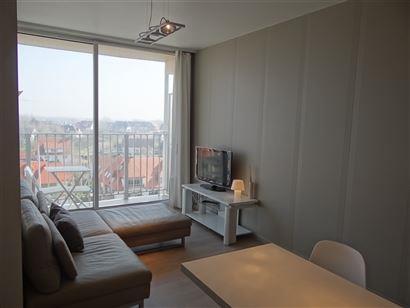 Res. Santhooft B 0707 - Studio rénové avec goût - Magnifique vue ouverte sur le quartier Simli - Hall d'entrée - Salle de douche avec w.c. et lava...