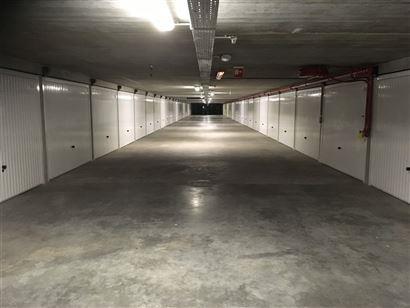 Complexe de garages Franslaan G 1114 - Situé au niveau -1 (sous la Franslaan entre le Meeuwenlaan et Vlaanderenstraat) - Box fermé en plein proprié...