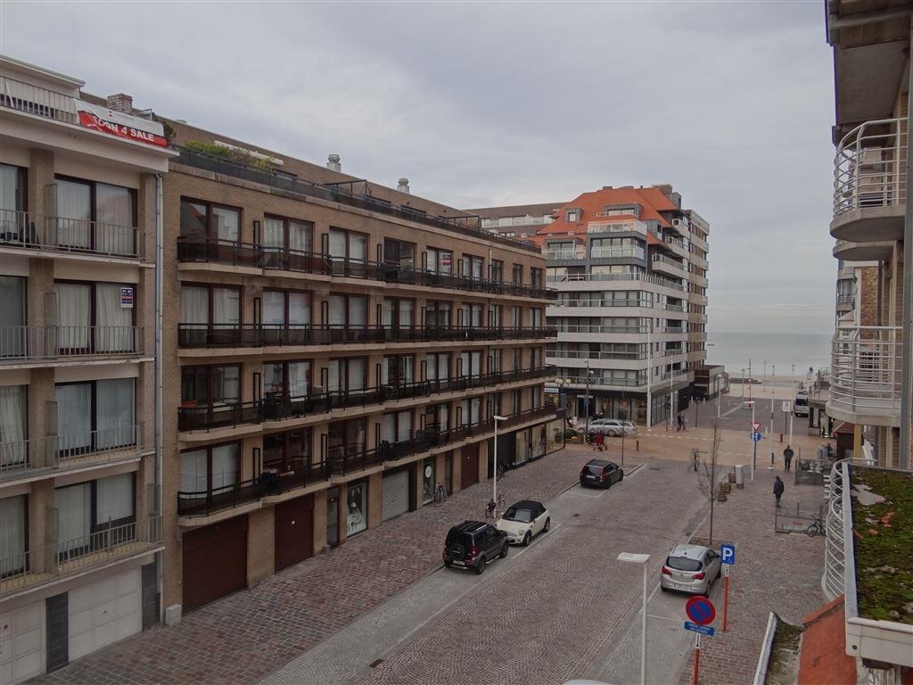 Res. Ensor 0304 - Zonnige studio  in een recente residentie - Gelegen op de derde verdieping in de Lefebvrestraat met zijdelings zeezicht -  Inkom - L...