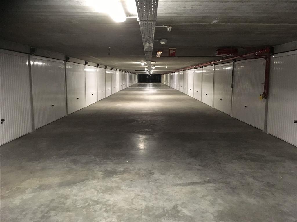 Garagecomplex Franslaan G 2120 -  Gelegen op niveau -2 - Afgesloten garagebox in volle eigendom - Afmetingen 2,88 x 5,65 m ...