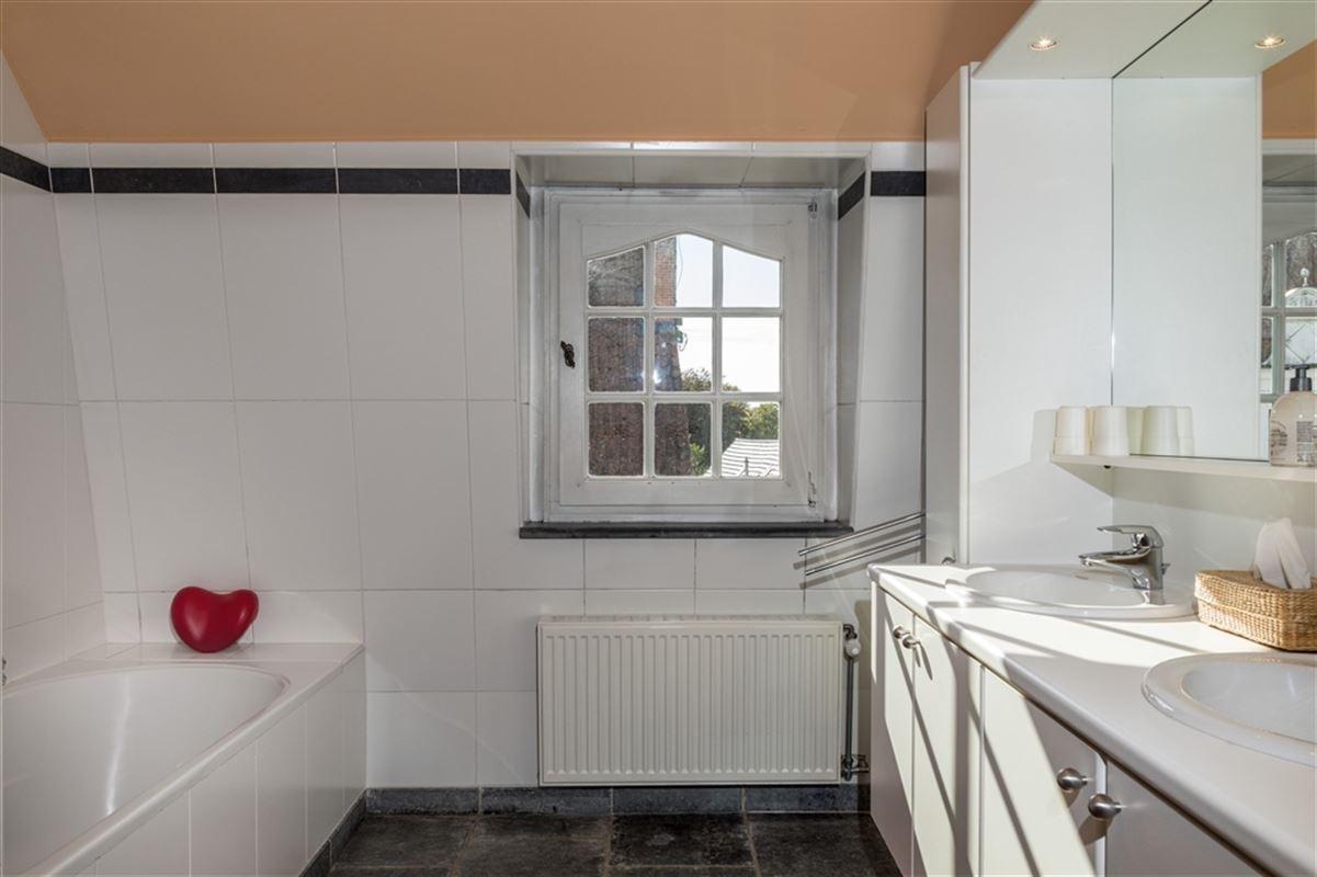 Foto 16 : Handelspand met woonst te 8340 DAMME (België) - Prijs € 1.100.000
