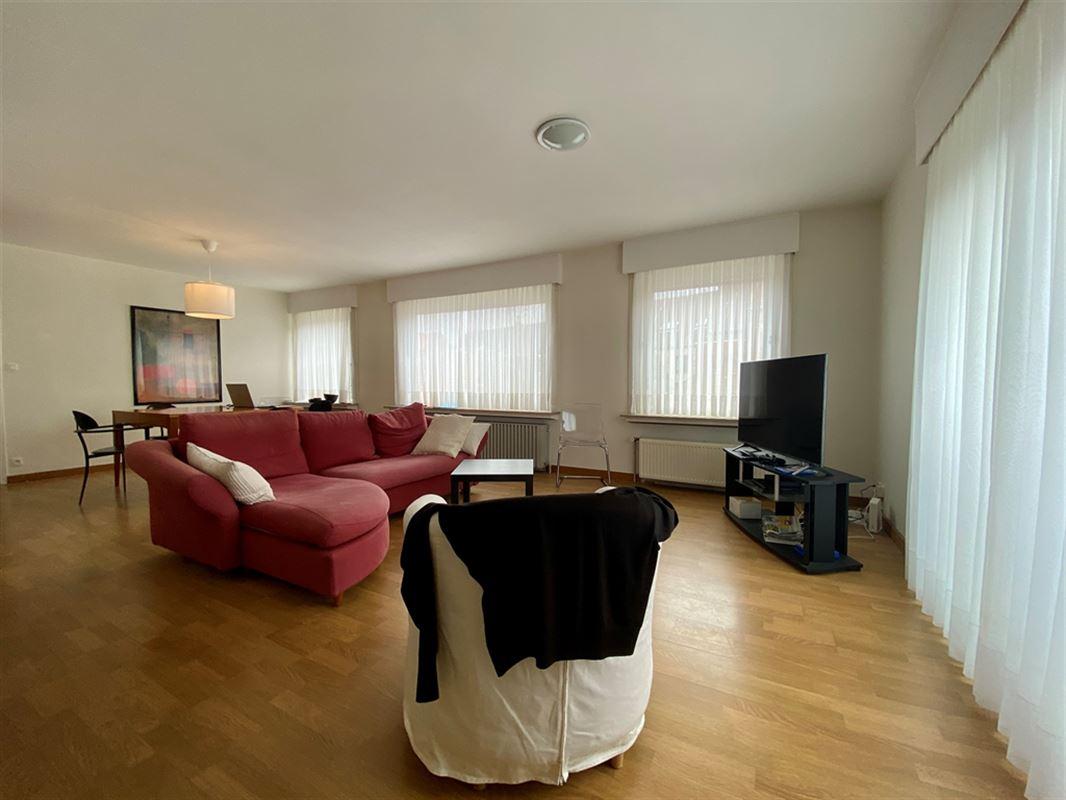 Foto 8 : Appartement te 8200 SINT-MICHIELS (België) - Prijs € 695