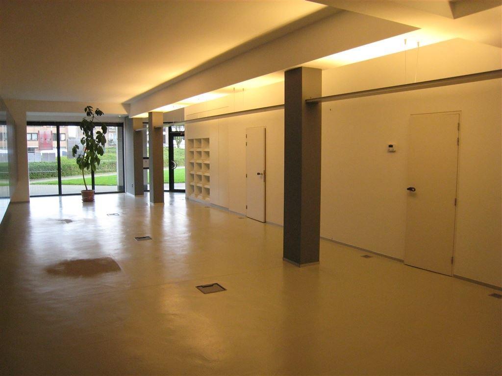 Commercieel pand te 8310 SINT-KRUIS (België) - Prijs