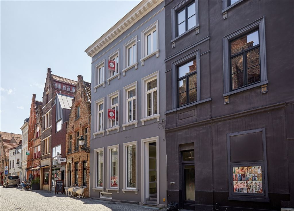 Handelspand met woonst te 8000 BRUGGE (België) - Prijs € 750.000