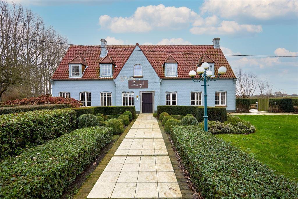 Handelspand met woonst te 8340 DAMME (België) - Prijs € 1.400.000